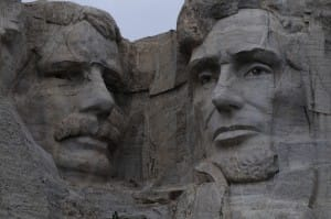 crazy horse and mt rushmore